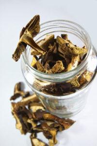 Conserver les champignons séchés