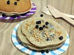 Pancakes végétaux aux myrtilles déshydratées