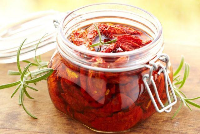 Faire des tomates séchées au déshydrateur